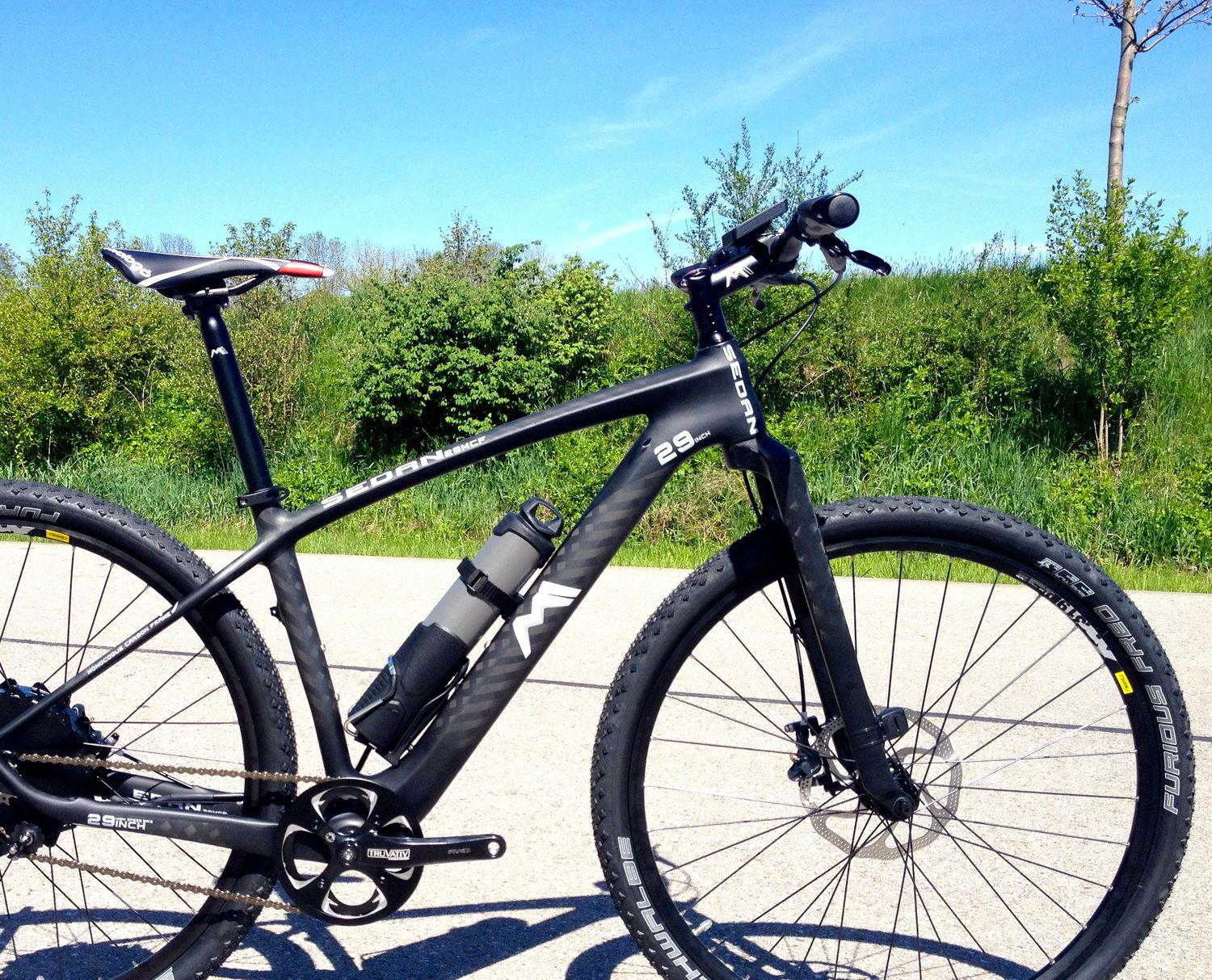 Carbon Singlespeed E-Bike von M1 Sporttechnik: Sedan One Carbon ...